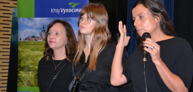 Hosté jihlavské premiéry. Zleva herečky Alena Mihulová, Jenovéfa Boková a režisérka Beata Parkanová. FOTO: ARCHIV KRAJE VYSOČINA
