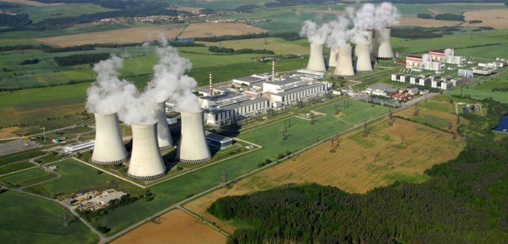 Vizualizace nového jaderného zdroje poblíž stávající elektrárny. FOTO: SKUPINA ČEZ