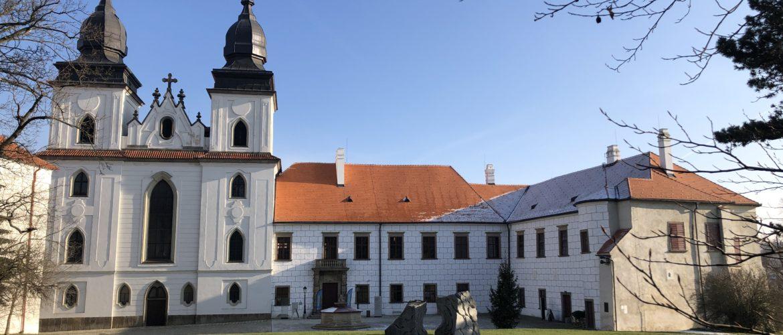 Muzeum Vysočiny Třebíč se nachází v areálu třebíčského zámku. Občerstvit se můžete v muzejní kavárně a také se pokochat výhledem na město. FOTO: EVA FRUHWIRTOVÁ
